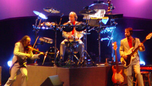 Mannheim steamroller on stage cropped1