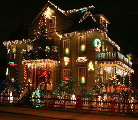 A Slice of Brooklyn Christmas Lights Tour New York Tickets - n/a ...