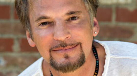 1353829 kenny loggins 050411