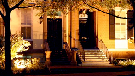 The Most Haunted Houses of Washington Tour: Mysterious & Macabre Tales $7.50 ($15 value)