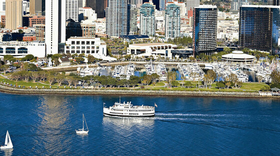 Hornblower harbor cruise 121112