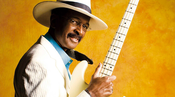 Larry graham 920