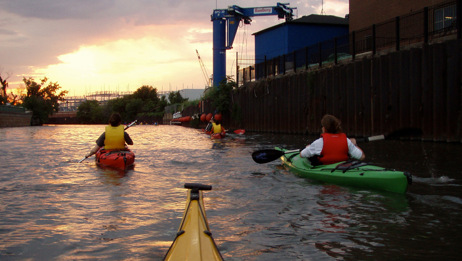 Sunday Sunset Paddle Along the Chicago River $27.50 ($55 value)