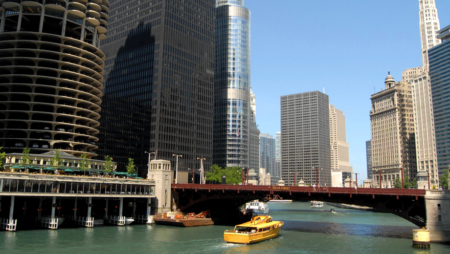 Discover Chicago's History and Architecture While Walking the River Walk & Loop $10.00 ($20 value)