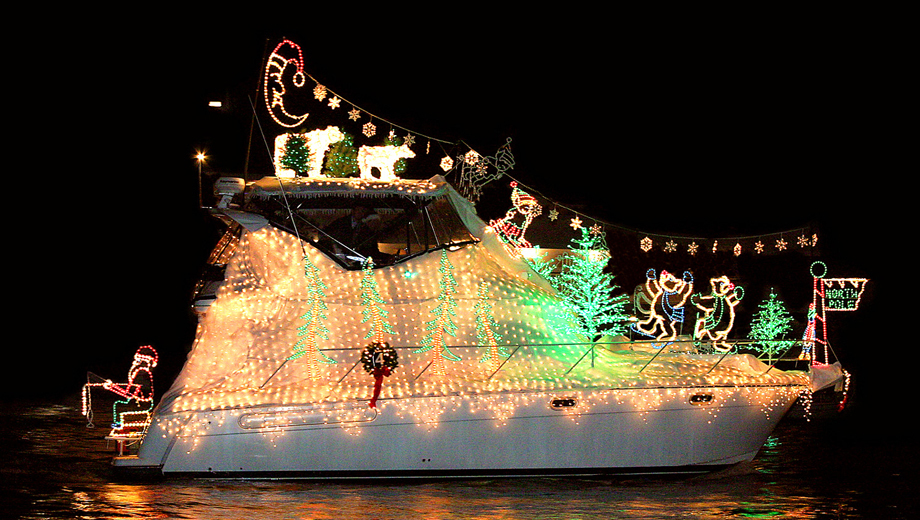 Newport Landing's Pre-Christmas Boat Parade of Lights Cruises $3.00 - $7.00 ($18 value)