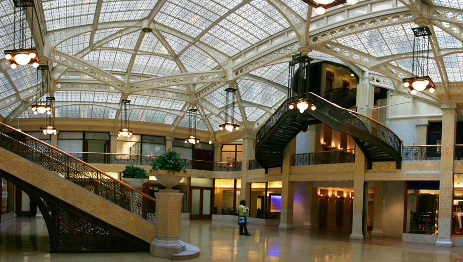 Walking History Tour of the Loop and Underground Pedway $10.00 ($20 value)