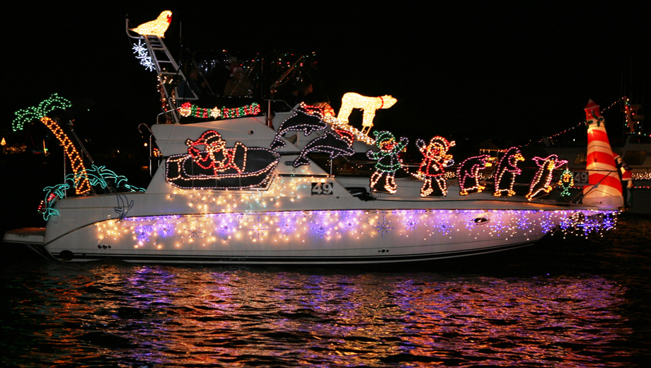 Newport Beach Light Displays on Holiday Cruise $5.00 - $15.00 ($31 value)