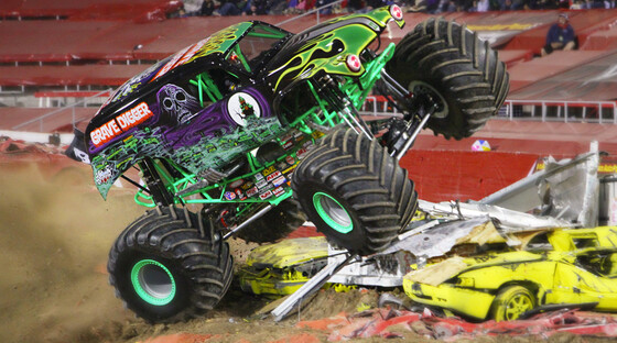 3561640 grave digger 2 920