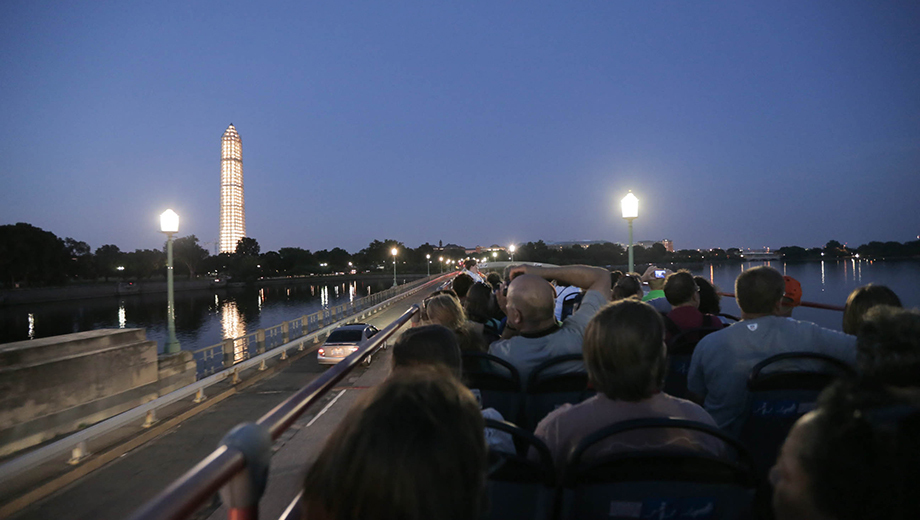 See the White House, Lincoln Memorial & More Lit Up on Night Tour of D.C. $20.00 - $34.00 ($26 value)