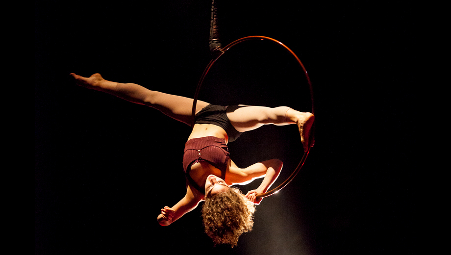 Cirque-Style Acrobatics From Canada's 7 Fingers Circus in New Show
