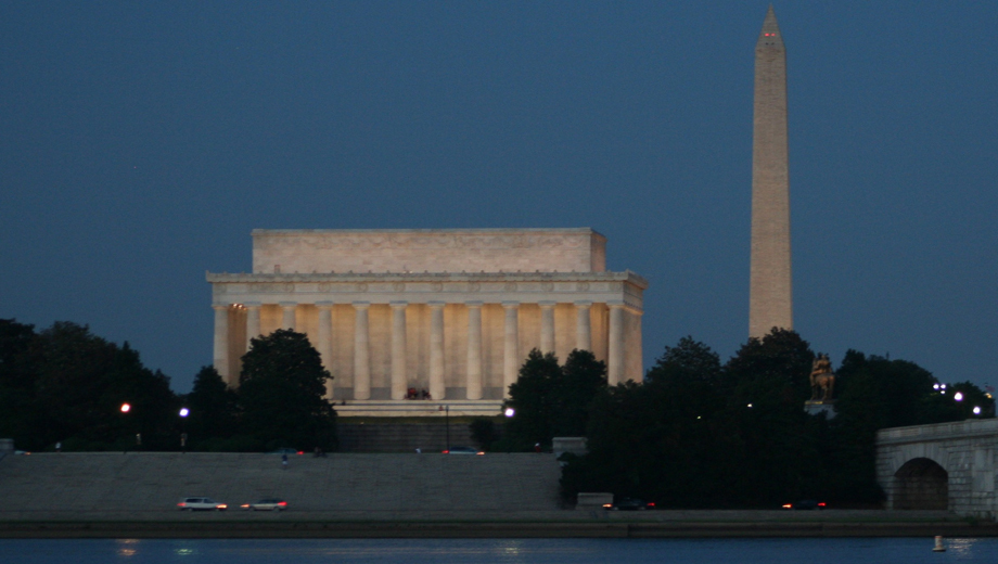 See Monuments and More on a Twilight Cruise Down the Potomac $10.50 - $14.00 ($21 value)