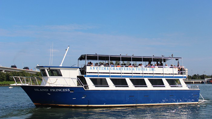Biscayne Boat Cruise Plus Hop-On/Hop-Off Bus Tour: South Beach Road $39.00 ($59 value)