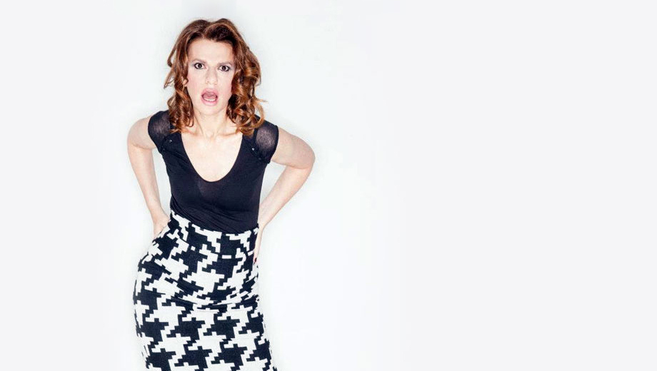Sandra Bernhard Performs Stand-Up, Music & More in