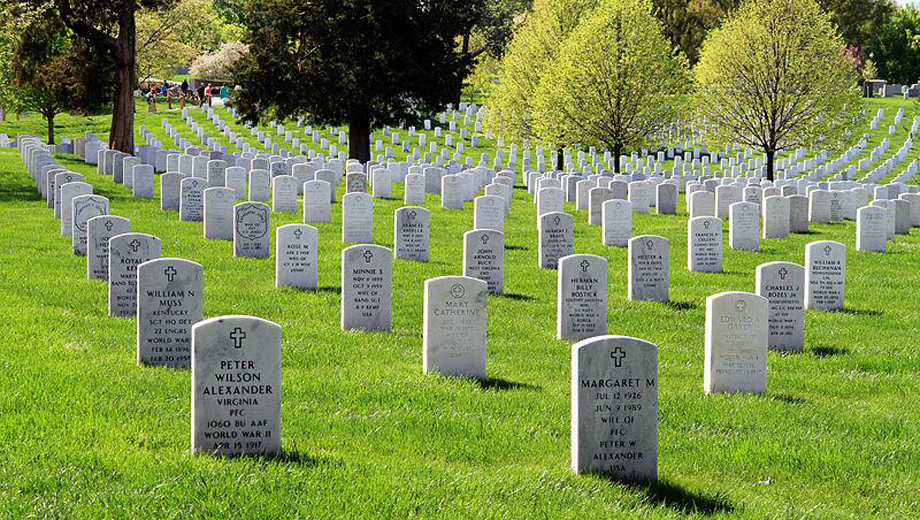 Arlington Cemetery Tour: A Guided Walk Through the Landmark's Fascinating Past $7.50 ($15 value)