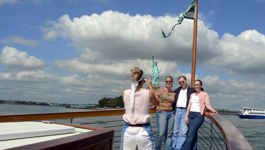 Champagne Statue and Skyline Cruise Around Manhattan $27.60 ($46 value)
