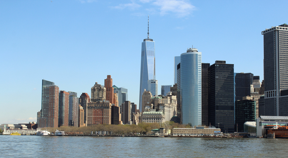 Architecture Tour by Boat: Explore Manhattan's Landmarks From the Kingston $40.80 ($68 value)