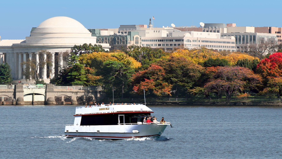 Enjoy a Relaxing Daytime Cruise Along the Monuments $8.00 ($16 value)