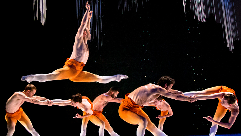 Innovative Dance Company Post:Ballet Performs