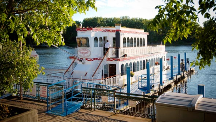Friday Night Dinner Cruise Aboard the Minneapolis Queen $23.00 ($46 value)