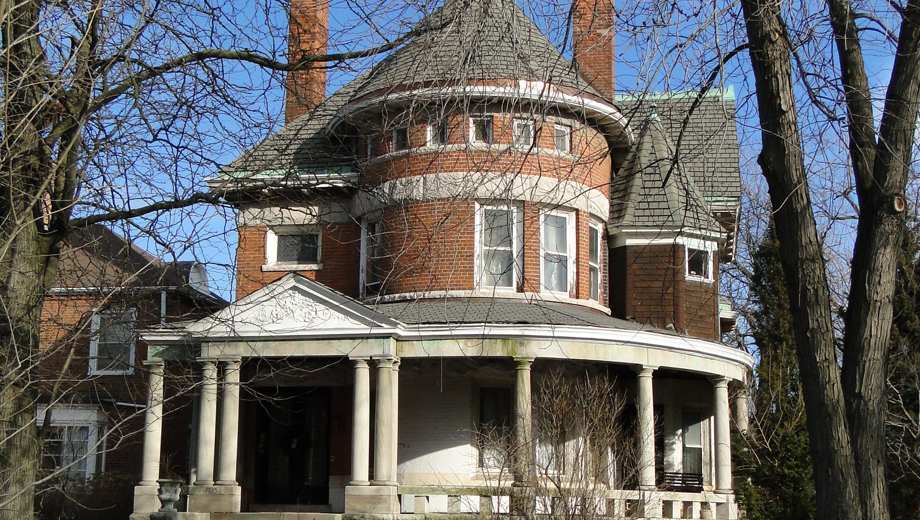 Unique Walking Tour Reveals the Historic Mansions of Kenwood $15.00 ($30 value)