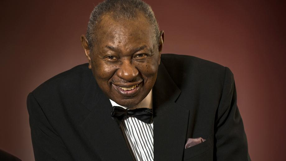 Freddy Cole: Grammy-Nominated Jazz Singer-Pianist $32.92 ($47.04 value)