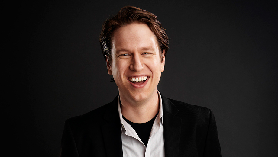 Comedian Pete Holmes (