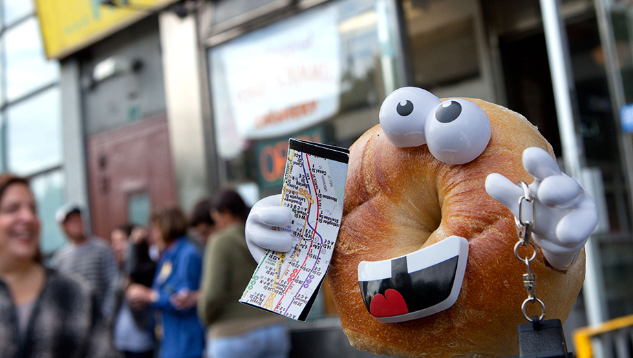 "Bites Galore on the ""Eat Everything Bagel Tour"" of the Lower East Side"