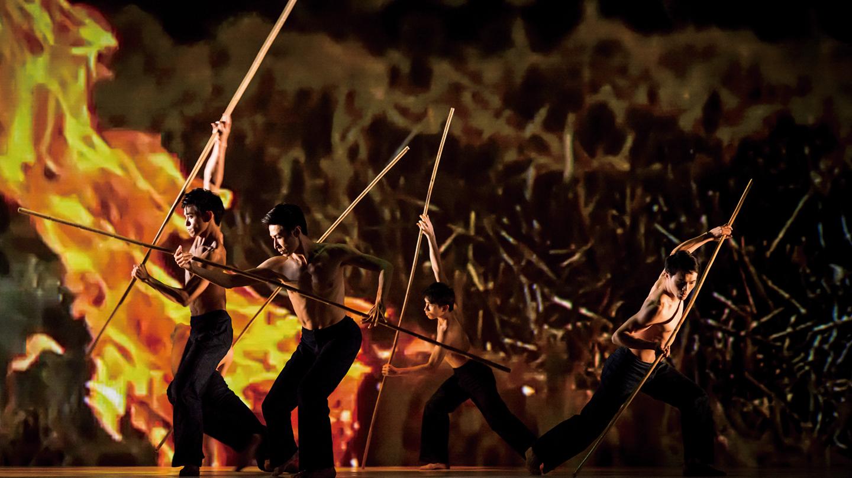 Stunning Modern Taiwanese Dance: Cloud Gate Dance Theater $20.00 - $47.00 ($34 value)