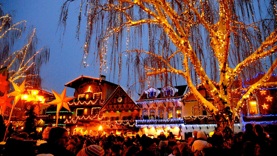 Snow Bus to Leavenworth s Tree Lighting Festival Seattle Tickets