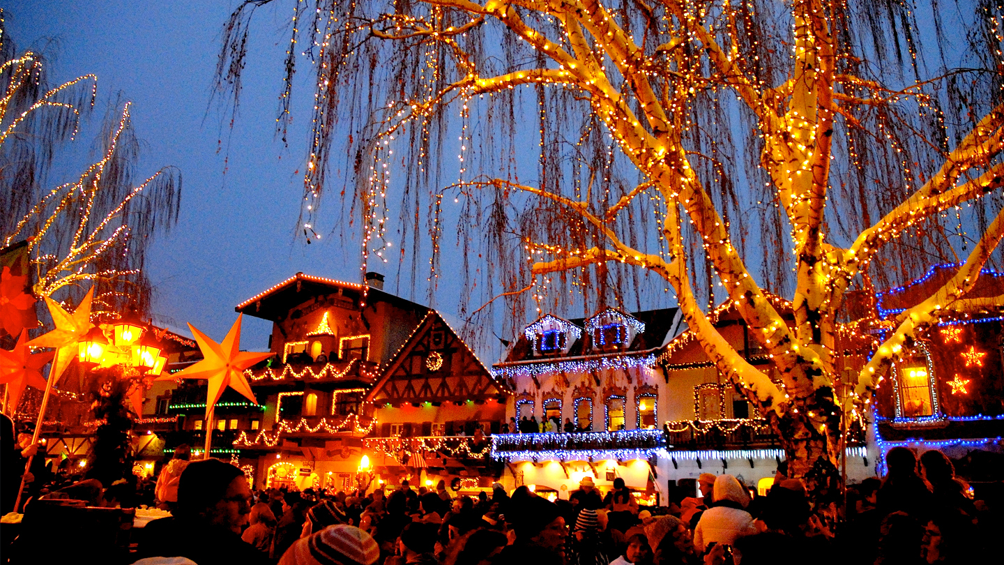 Ride the Snow Bus to Leavenworth's Magical Tree Lighting Festival $27.60 - $34.50 ($69 value)