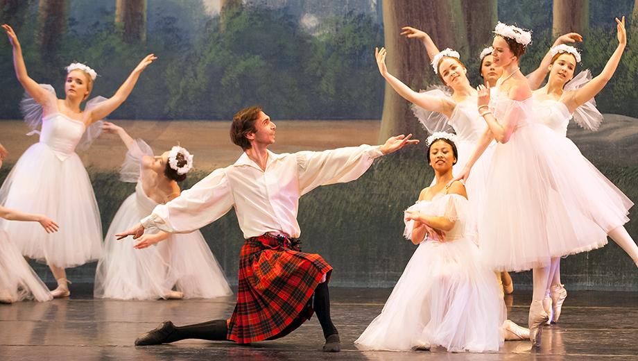 Virginia Ballet Company Performs Enchanting Masterpiece
