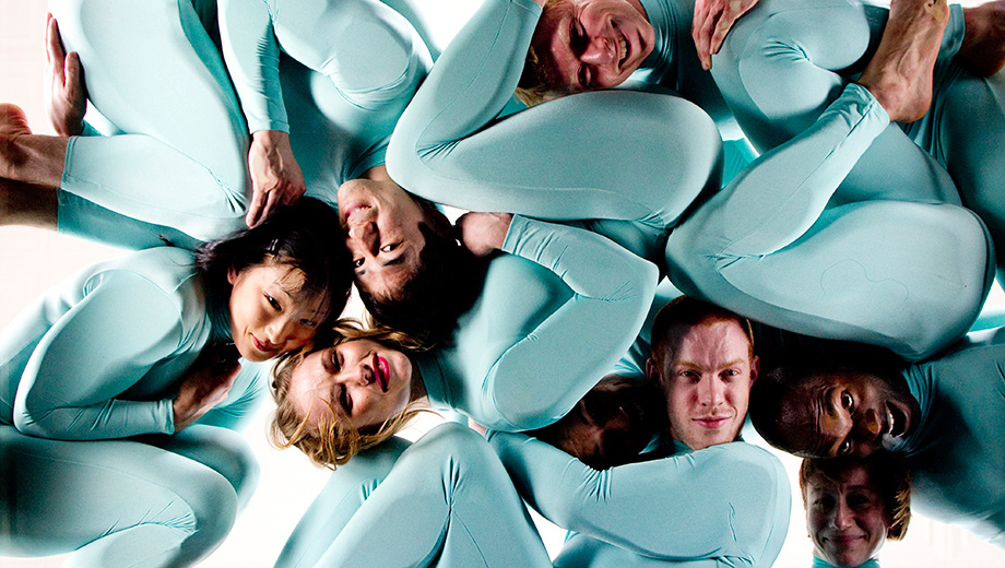 World-Famous Modern Dance Group Pilobolus (