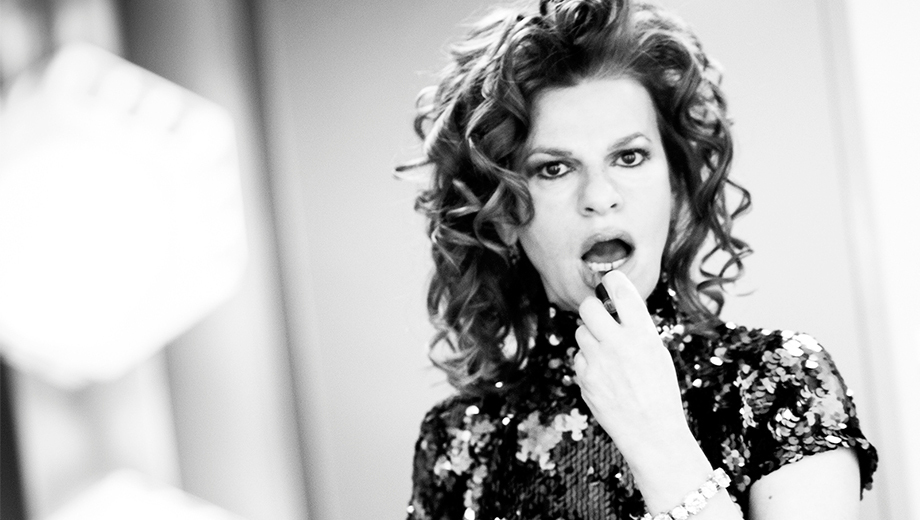 Sandra Bernhard Speaks Her Mind in