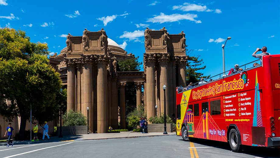 City Sightseeing's Hop-On, Hop-Off Bus Tour: Downtown Loop $16.50 ($32.99 value)