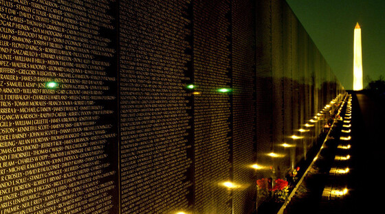 1436899413 vietnam veterans memorial1 at night tickets