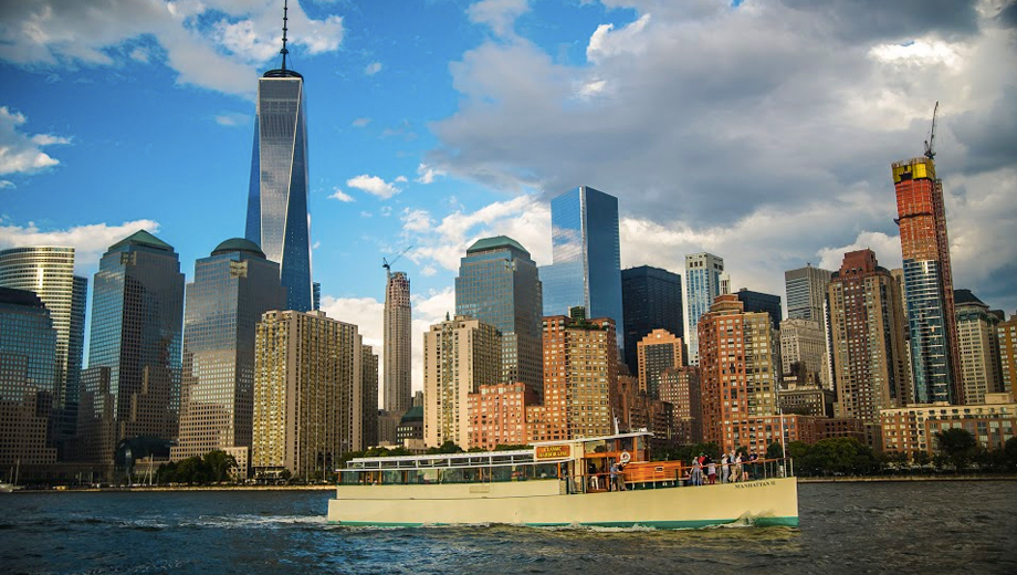 Around Manhattan Official NYC Architecture Tour and Yacht Cruise $45.60 ($76 value)
