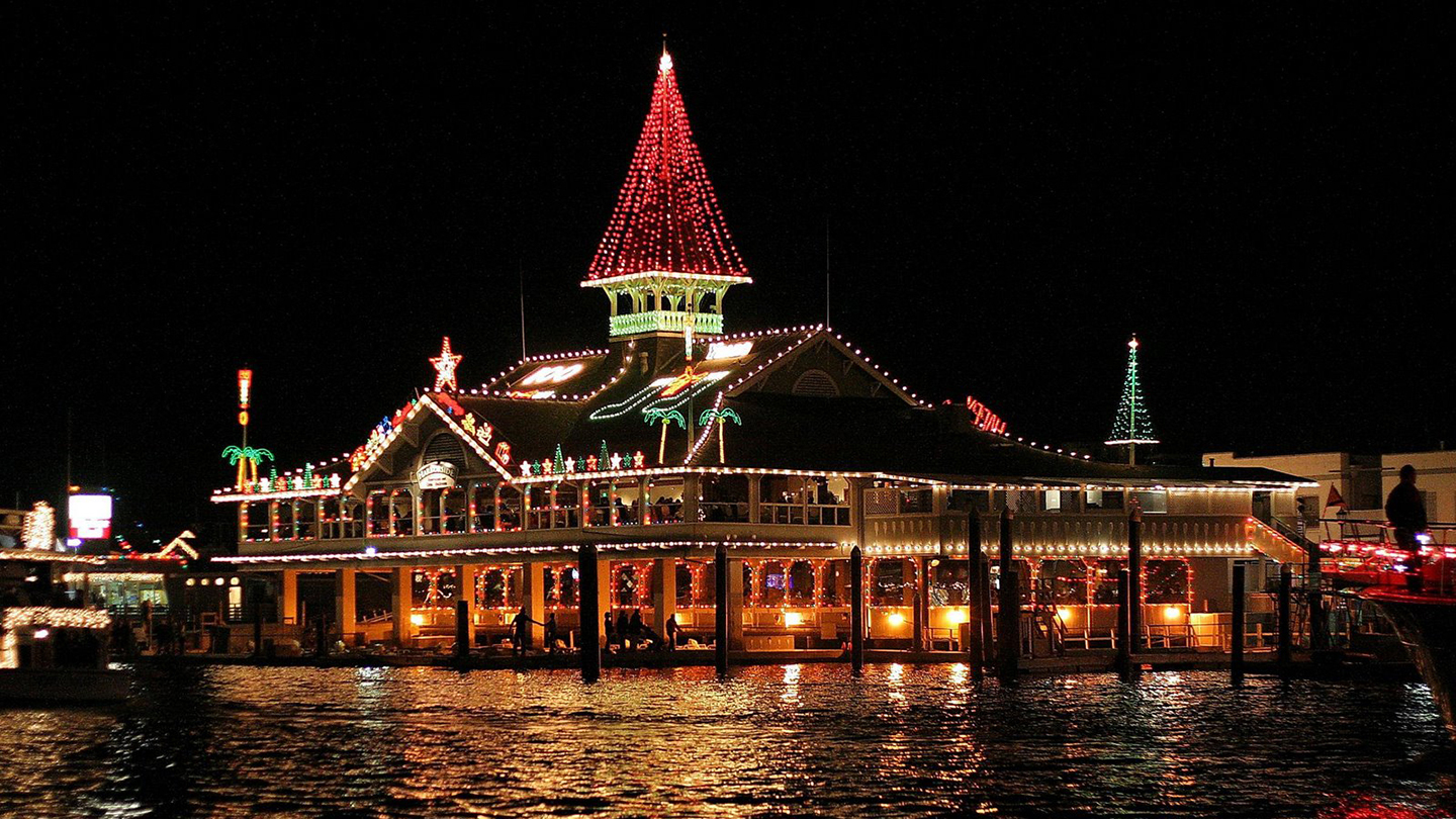 Holiday Lights Cruise: Newport Harbor's Sparkling Boats, Homes, Docks & More $5.00 - $15.00 ($10 value)
