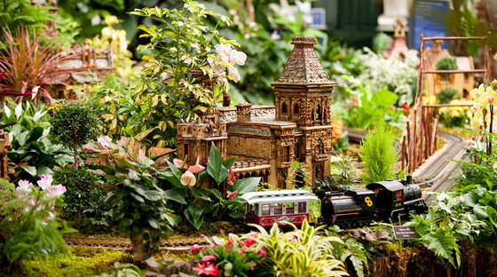 1445976129 new york botanical gardens holiday train show tickets
