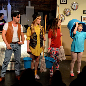 Full House! The Musical
