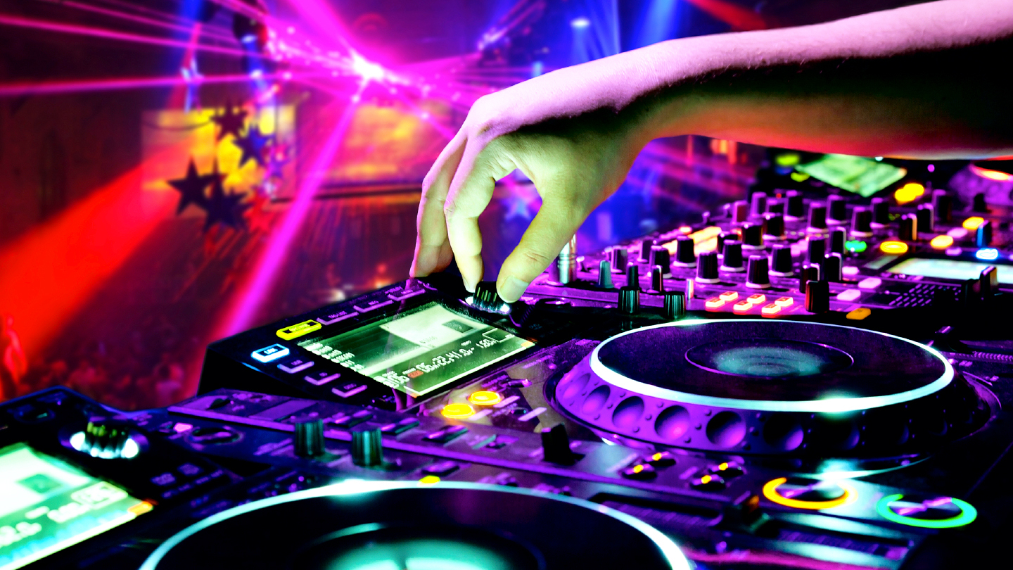 Quiet Clubbing: 3 DJs, Wireless Headphones and Dancing All Night COMP ($5 value)