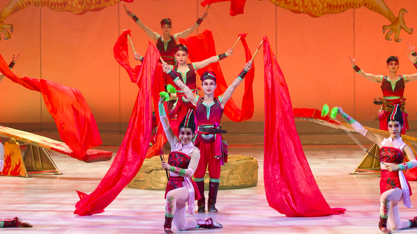 Acrobats Honor Chinese History & Culture in
