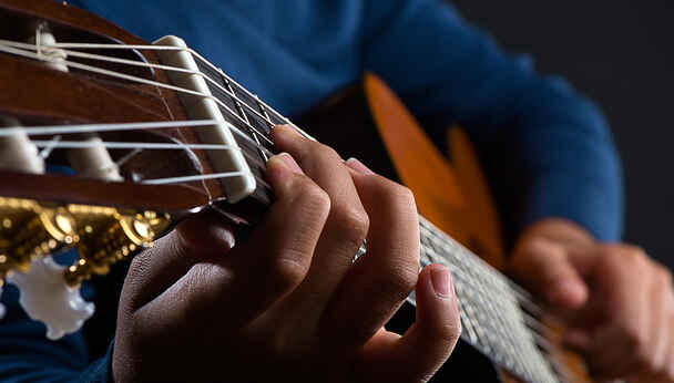 Marlow Guitar Series in Silver Spring