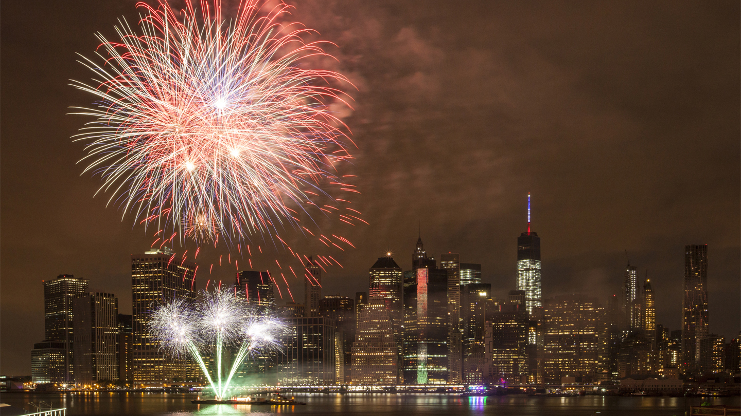 Premium Macy\'s 4th of July Fireworks Cruise New York Tickets - n/a ...