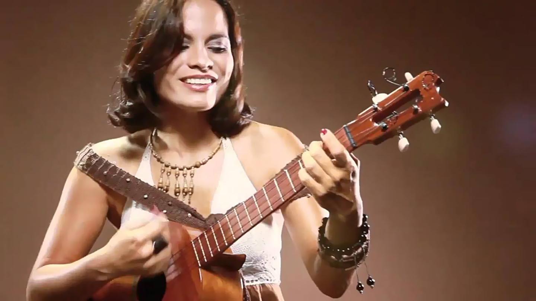 Latin Singer-Songwriter Maria Alejandra Rodriguez