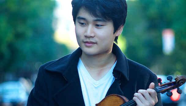 Korean Violin Prodigy In Mo Yang Plays Tchaikovsky