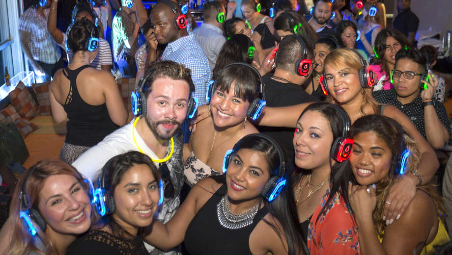 1542140482 vip rooftop silent disco party tickets