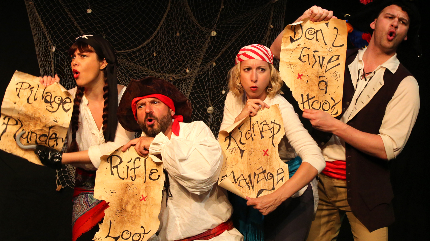 """""""Rum and Pirates"""": A Boozy History Lesson"""
