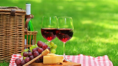 Picnic & Wine Tasting with Live Jazz