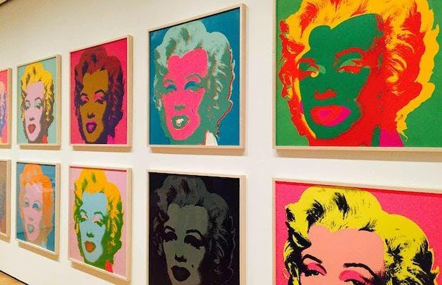 Scavenger Hunt at MoMA & Pub Meet-Up