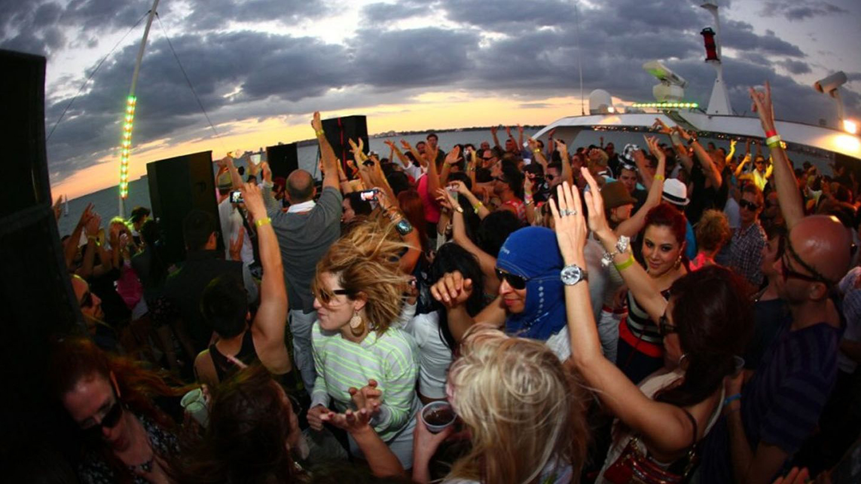 Memorial Weekend Hip Hop vs. Reggae Yacht Party